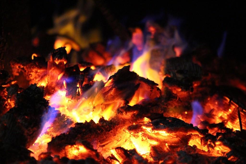 fire-786753_1280